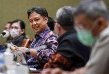 Photo of Menkes Targetkan Lebih dari 70 Persen Masyarakat Sudah Divaksinasi Akhir Tahun Ini