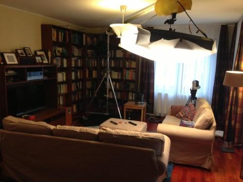 Lakástalkshow a nappaliban