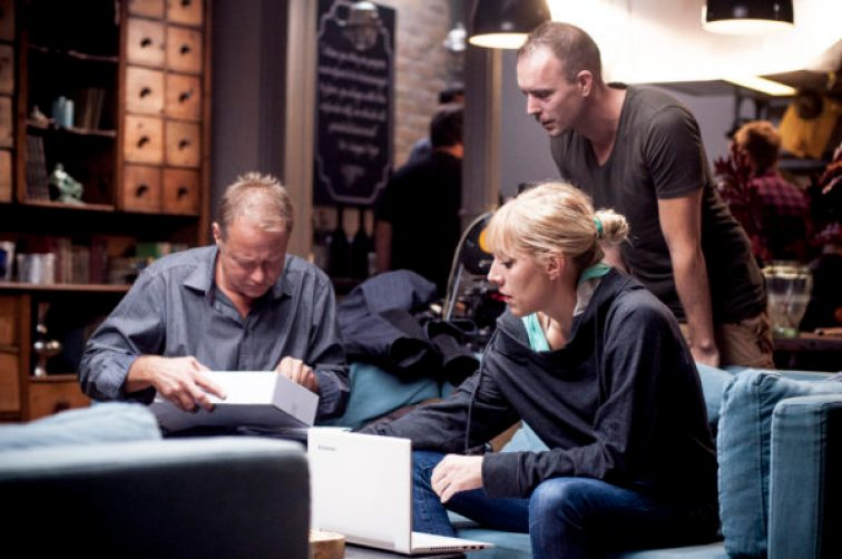 Teveli Olivér gyártásvezető, Frankó Roni zenei szerkesztő és Füredi Tomi rögzítésvezető