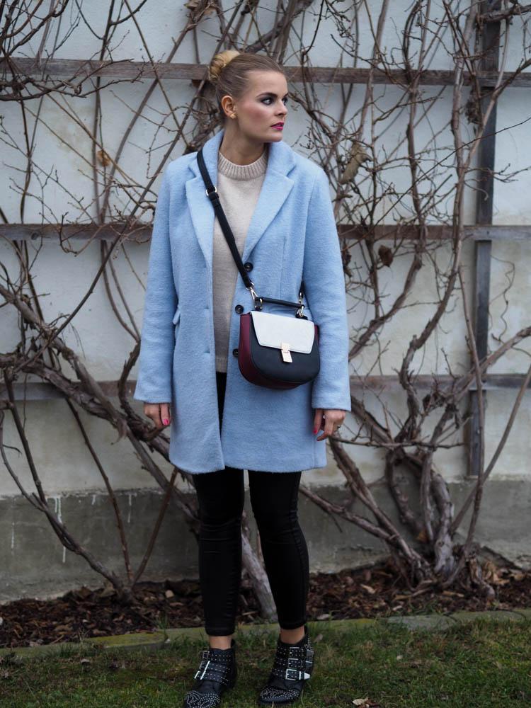 Lakatyfox_fashionblog_blauermantel_streetstyle