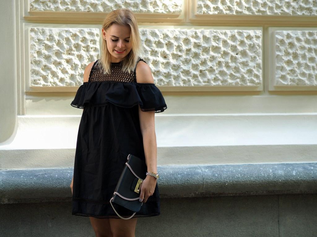 Das kleine Schwarze, schwarzes Kleid, black Dress