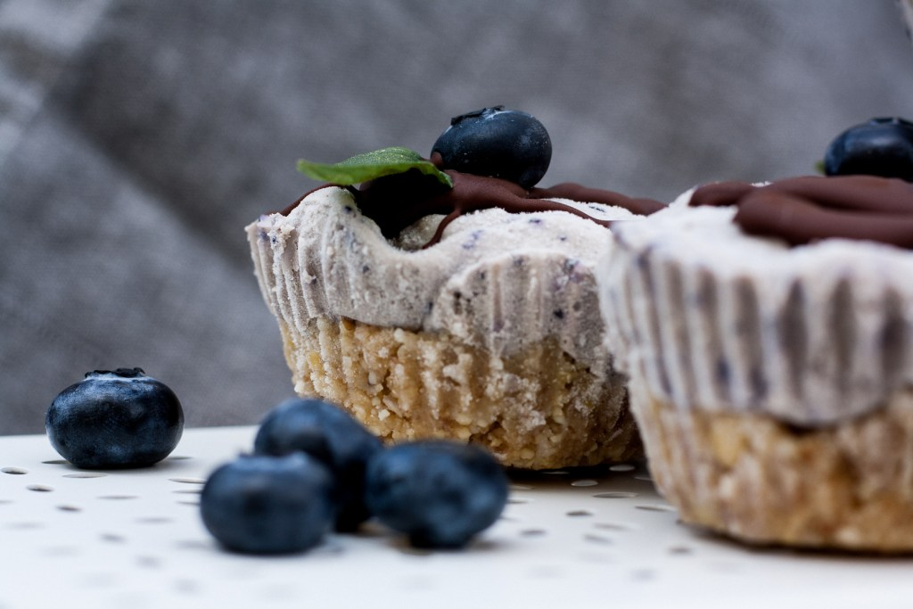 Raw Vegan Blueberry Muffin, Schwarzbeermuffin, Blaubeermuffin, Backen, Dessert, Rezept, Foodblogger