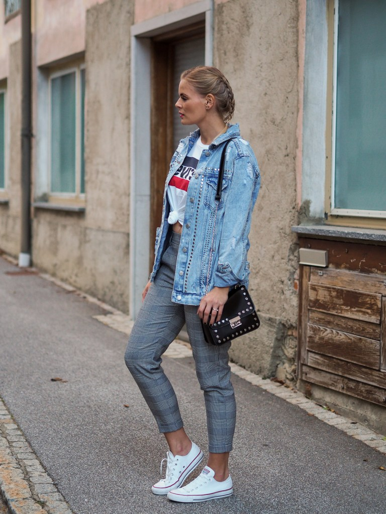 Karohose, Herbstrends, Oversized Jeansjacke, Lewis Shirt, Converse, Fall, Fashion, Outfit, Style, Streetstyle, Fashionblogger, Lakatyfox