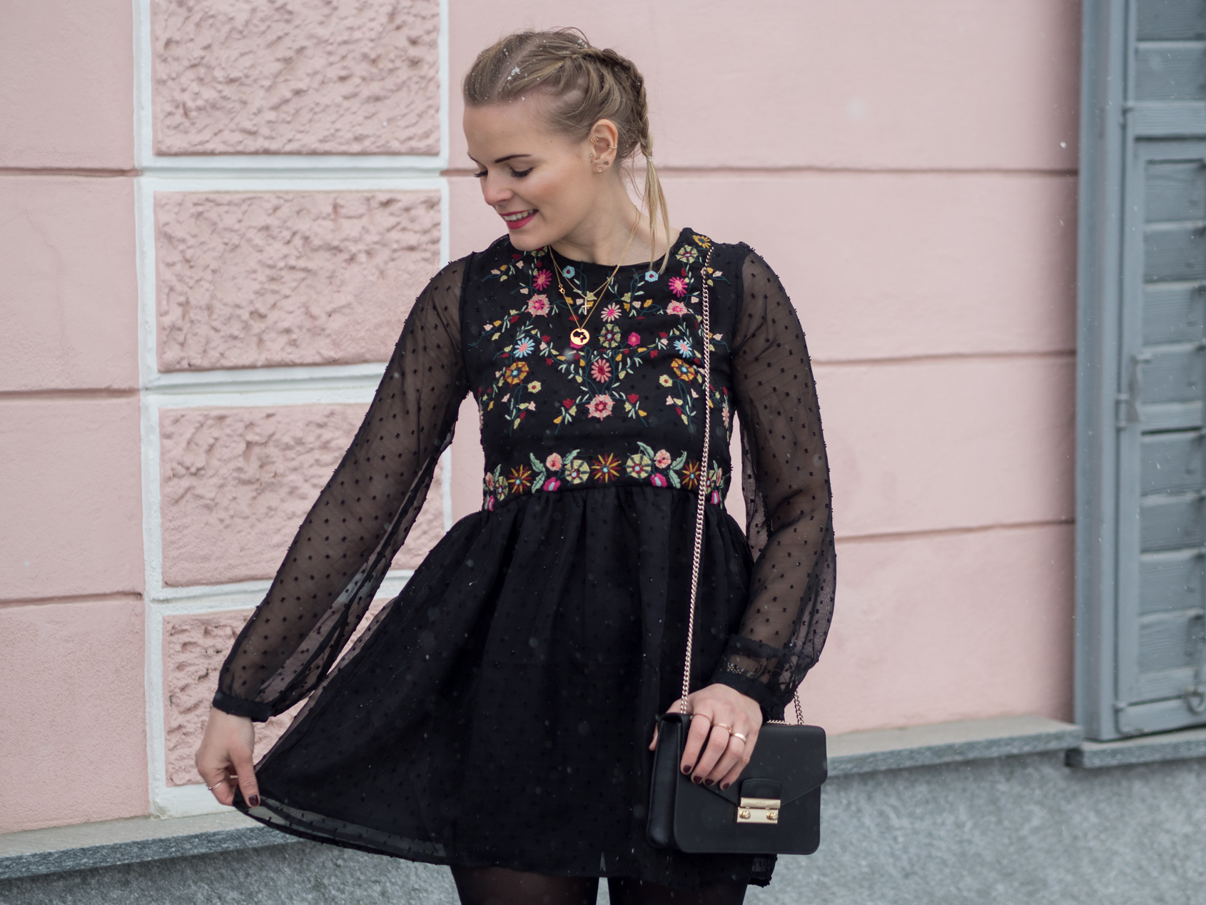 Little Black Dress, Outfit, Babydoll dress, fashion, Fashionblogger, schwarzes Kleid kombinieren, Klassisch, www.lakatyfox.com