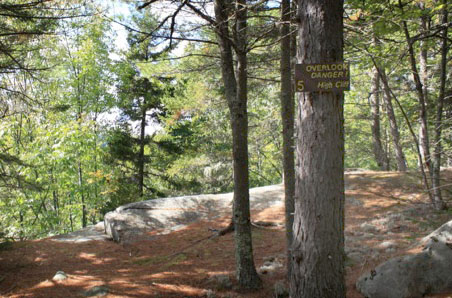 Approach to the Webb Trail Overlook
