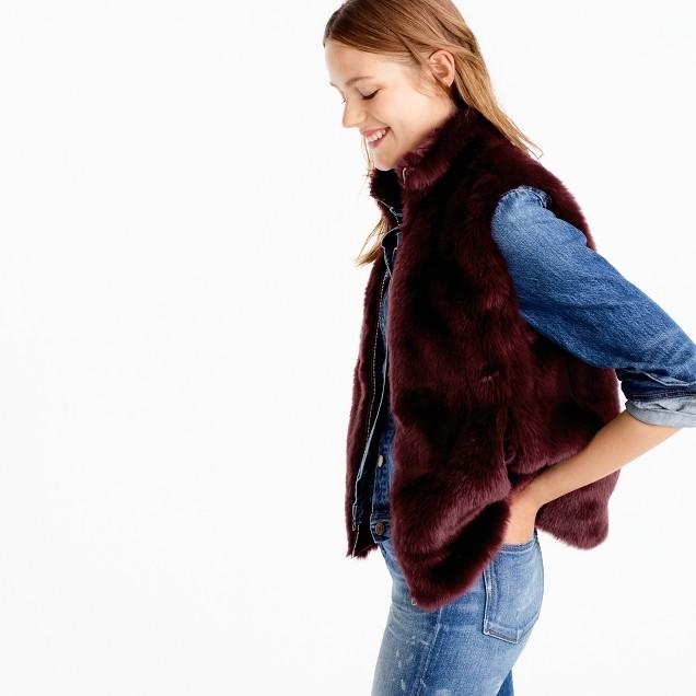 Crew Woman's fur vest