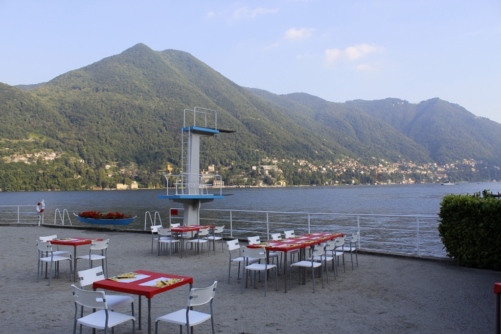 Lido di Moltrasio on LakeApp