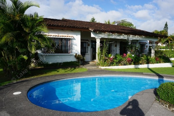Charming Private Alcove Home in Las Flores with Pool Facing Lake Arenal
