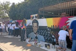 Lake Balboa mural honors slain journalist Daniel Pearl