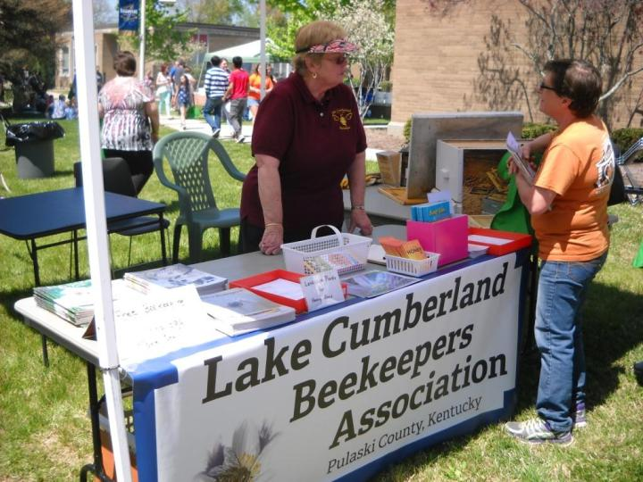 LCBA member Pat Rizenbergs discusses bees and beekeeping