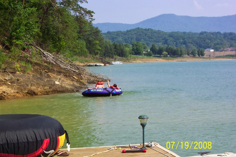 Douglas Lake Marinas and Boat Rentals