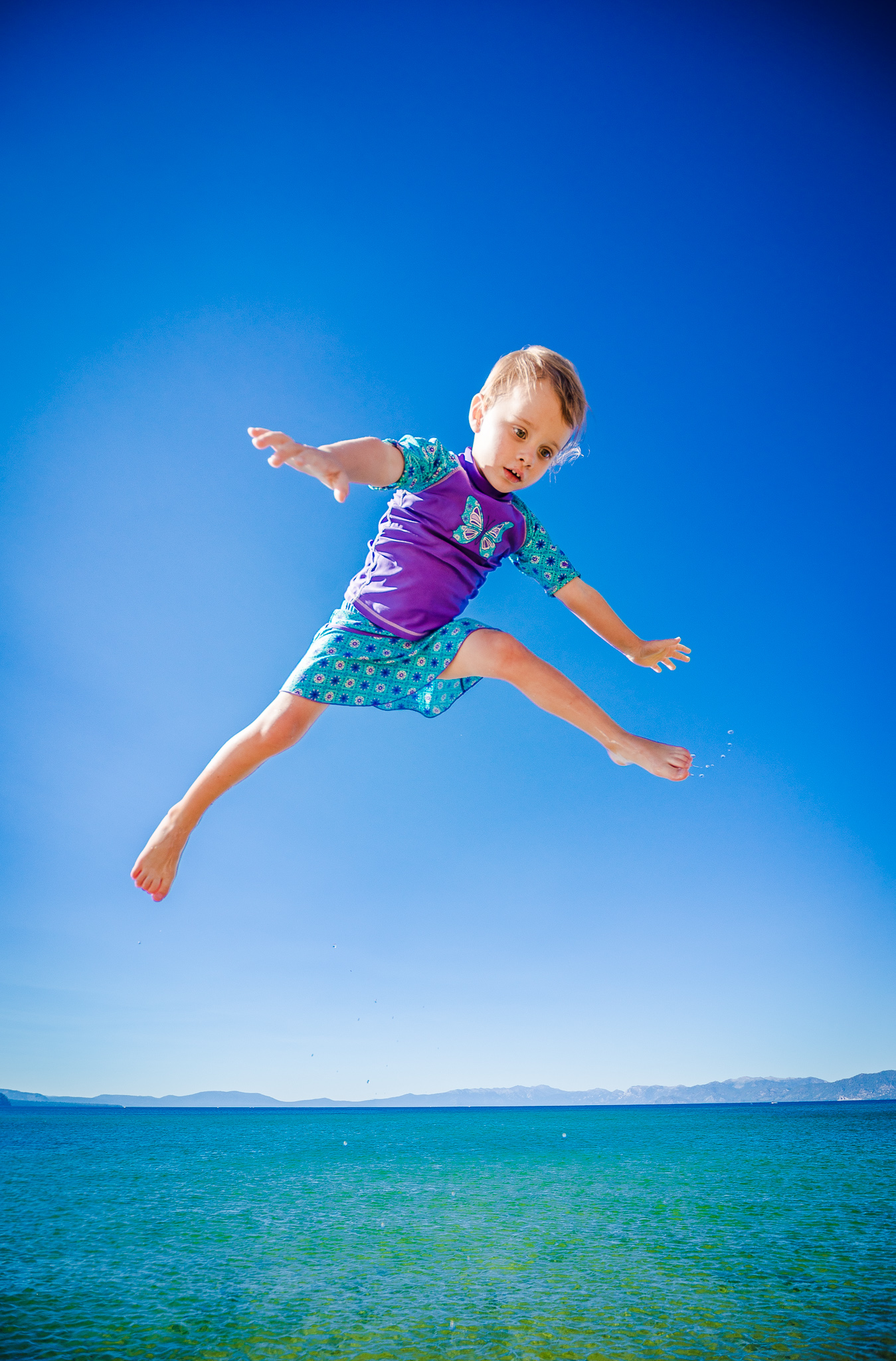 Amelia Flys Kiva Beach