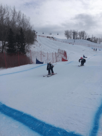 Reighynn Pawlowski tearing up the course to come first in the heat at Nancy Green Ski League Ski Cross. Image submitted.