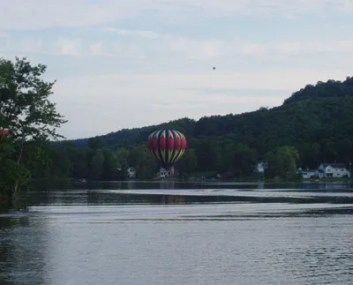 lake-lauderdale-balloon-400px-2011