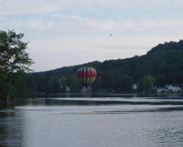 lake-lauderdale-balloon-400px-2011