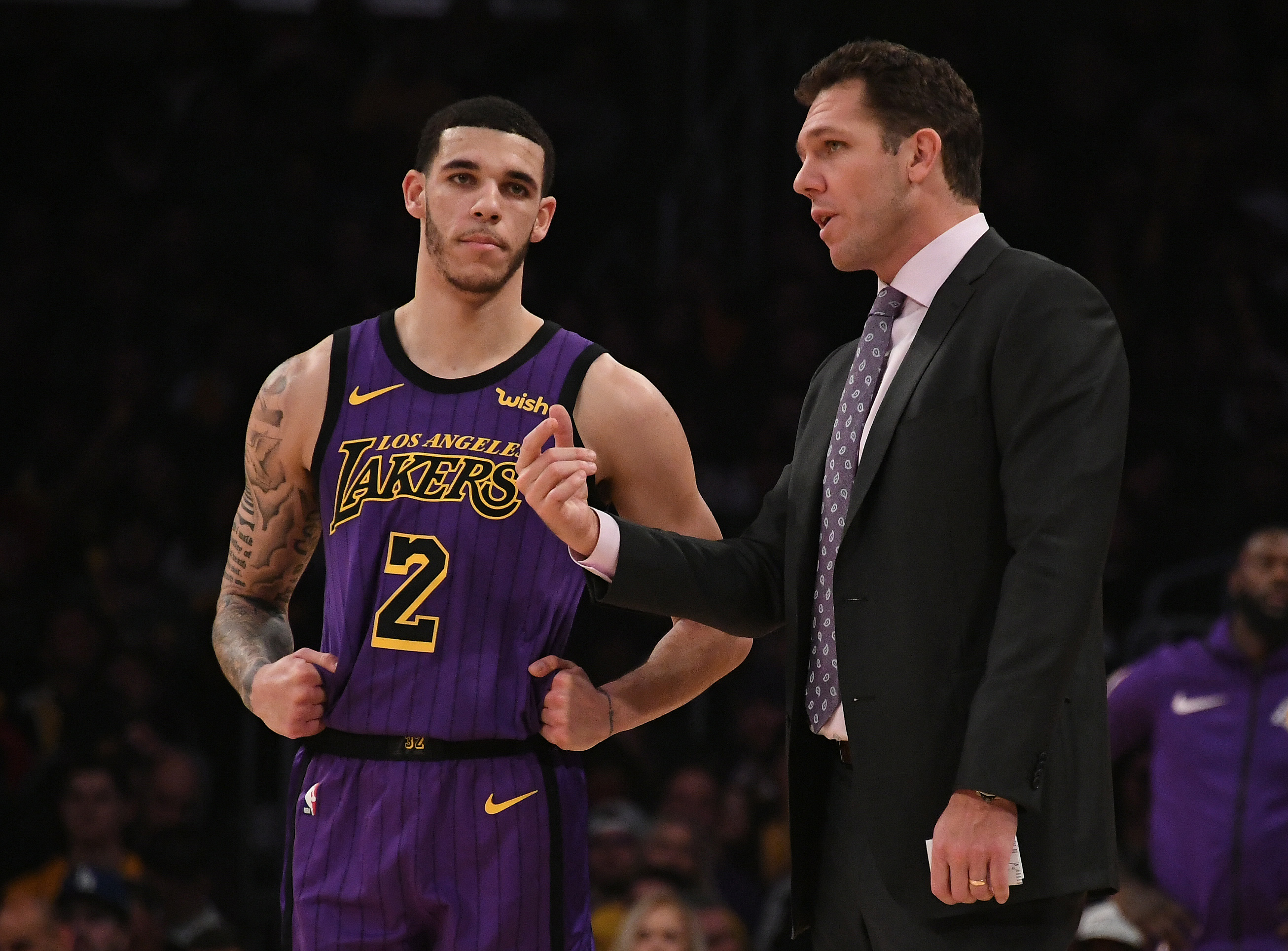 b1591618 Dec 28, 2018; Los Angeles, CA, USA; Los Angeles Lakers guard Lonzo Ball (2)  talks to head coach Luke Walton in the second half against the LA Clippers  at ...
