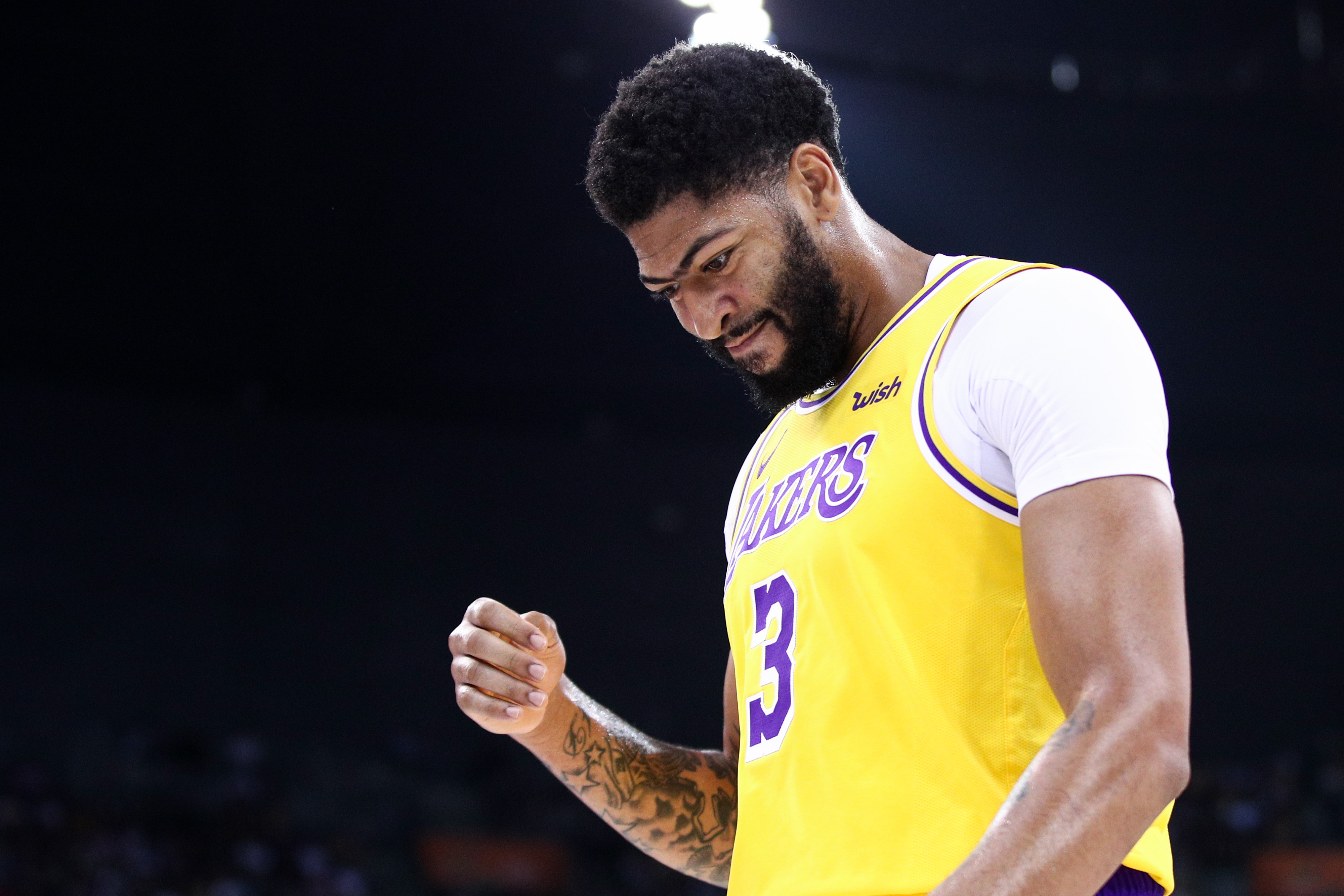 "No ligament damage"" to Anthony Davis' thumb - Lakers Outsiders"