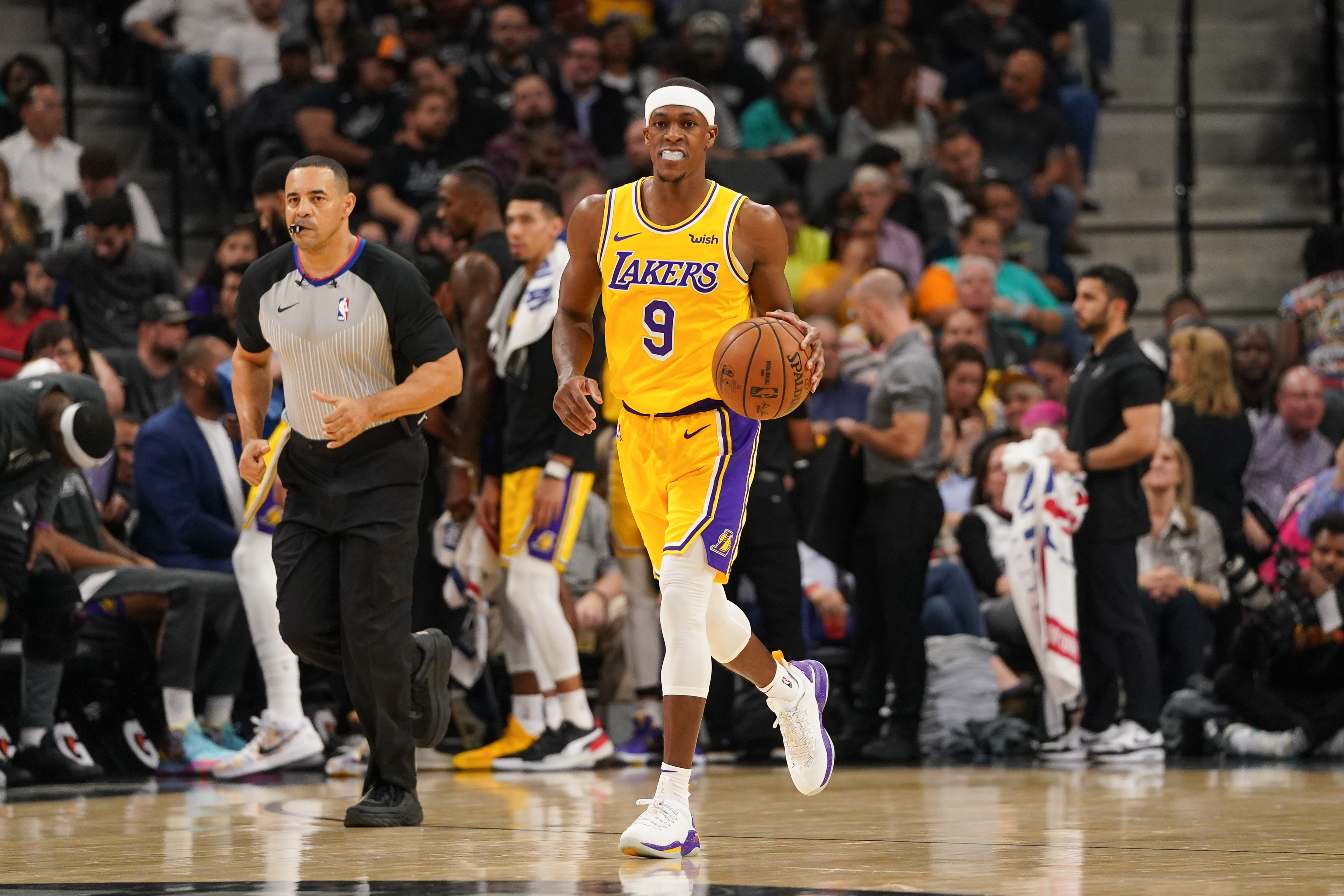 Rajon Rondo Listed As questionable For Game Against Trail Blazers Lakers Outsiders