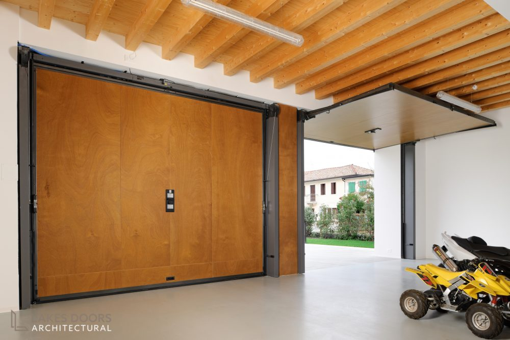 Trackless Garage Door