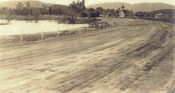 Lakeside Speedway Track