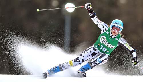 Julia Mancuso speeds to fifth in Semmering (Getty Images/AFP - Joe Klamar)