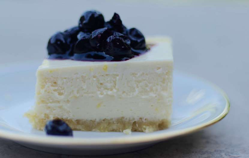 lemon cheesecake recipe with blueberry topping