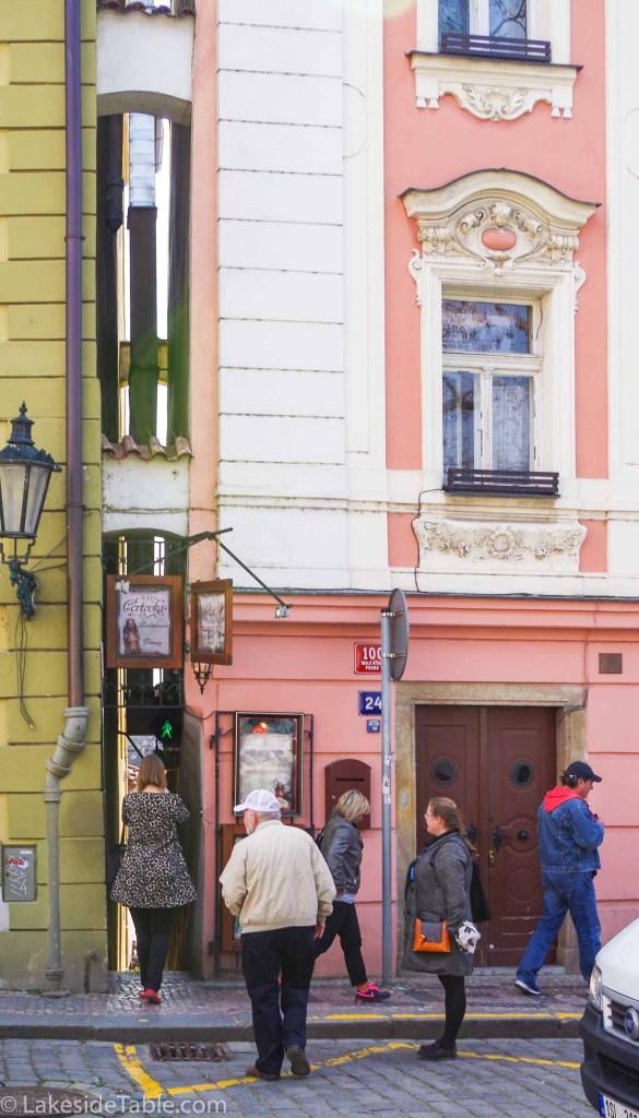 Vinarna Certovka Small Street