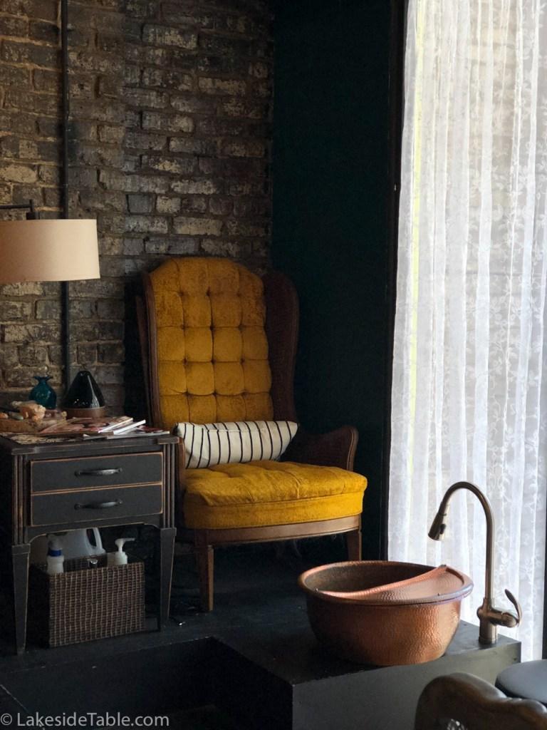 Pedicure chair at LOX Salon