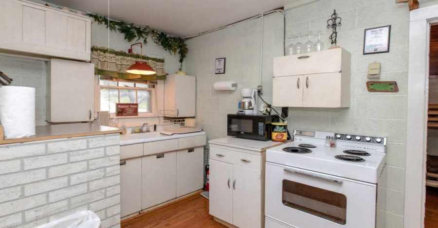 Deans_Place_Kitchen_Food_Preparation