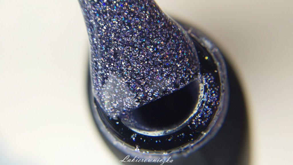 paznokcie-hybrydowe-Provocater-26-aubergine-06-macchiatto-13-coffe-time-77-holo-sparkle-59-marble-stone-76-dark-blue24-mystery-wine-28-business-woman-Lakierowniczka-hybrydy na jesień