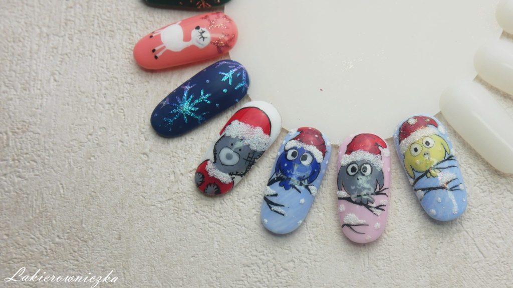 zimowe-i-swiateczne-paznokcie-hybrydowe-i-wzorniki-hybrydy-na-swieta-boze-narodzenie-Dolce-Vita-Nails-Victoria-Vynn-misiu-sniezynki-renifer-sweterki-czerwone-pazurki-Lakierowniczka-zimowe i świąteczne paznokcie hybrydowe +wzorniki