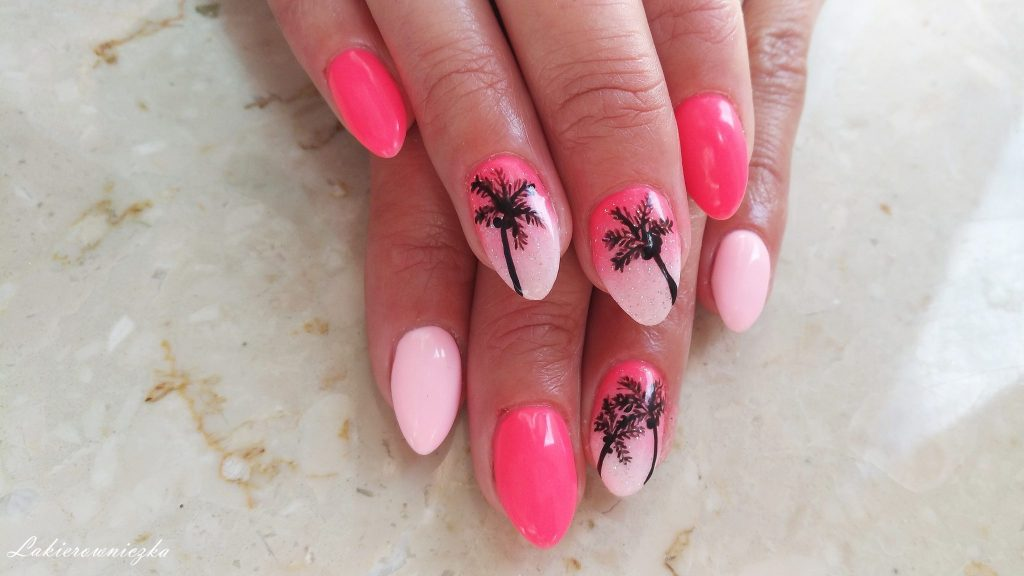 palmy-na-hybrydzie-letnie-paznokcie-hybrydowe-na-lato-wakacje-Lakierowniczka-Provocater-039-Victoria-vynn-009-Dolce-Vita-Nails-157-palmy na hybrydzie