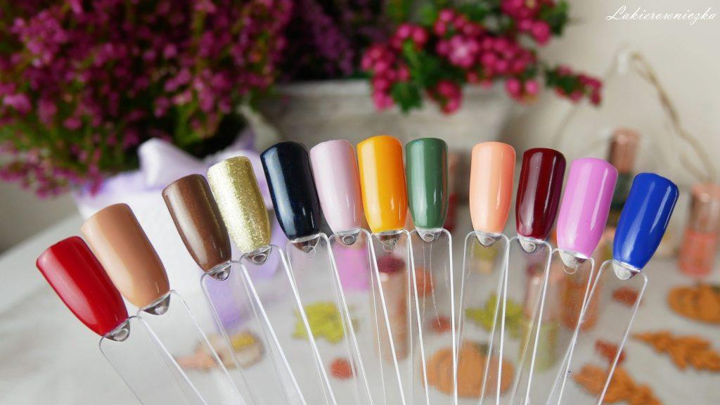 kolory-hybrydy-na-jesien-Constance-carroll-lakierowniczka-zdobienie-jesienne-jez-na-paznokciach-hybrydowych-musztardowy-bordo-zloty-nude-braz-granat-zielen-dynia-krok-po-kroku-tutorial