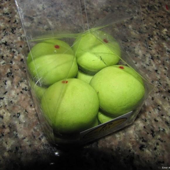 пандан. зеленое печенье окрашенное панданом
