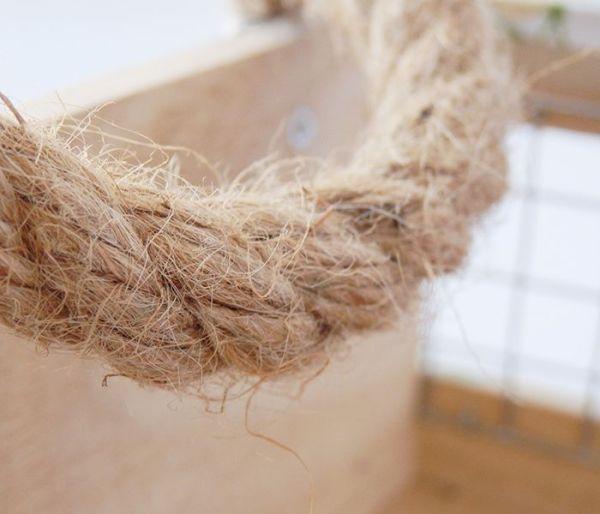 Bandeja con asas de cuerda