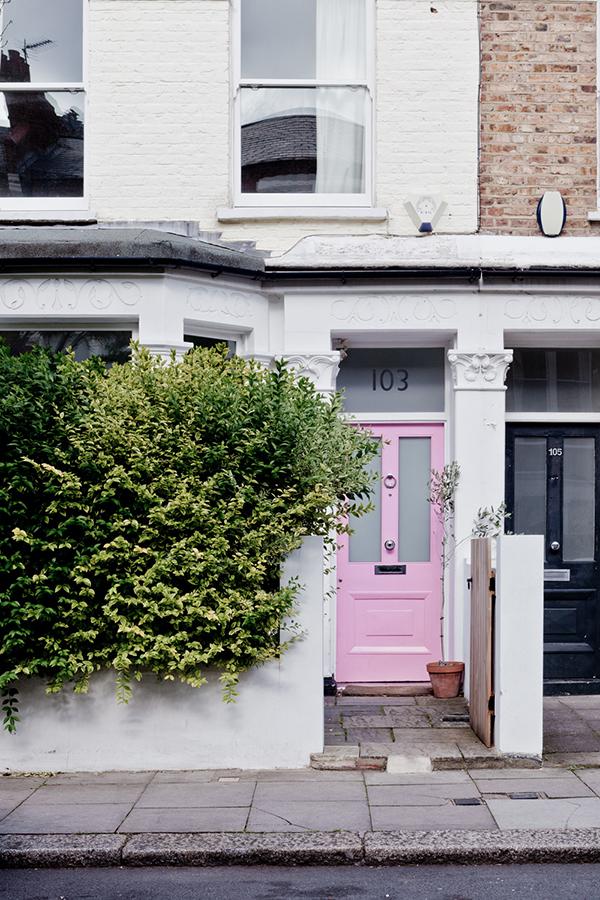 pink-door-lalalovelyblog