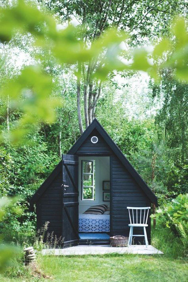 Little black Cottage via La La Lovely