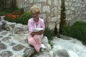 Invisible General:Night of the Iguana, Sinaja Reads, video still, 2006