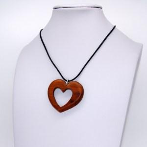 Collier Cœur ajouré – Cerisier