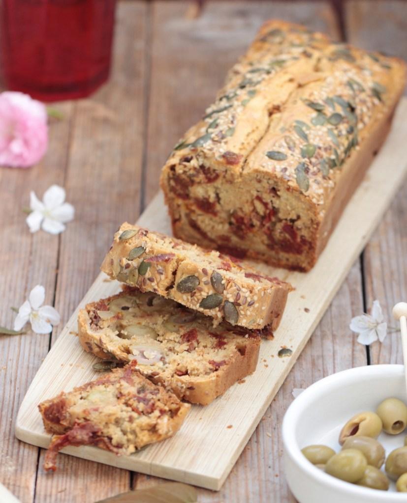 Cake olive & tomate séchée