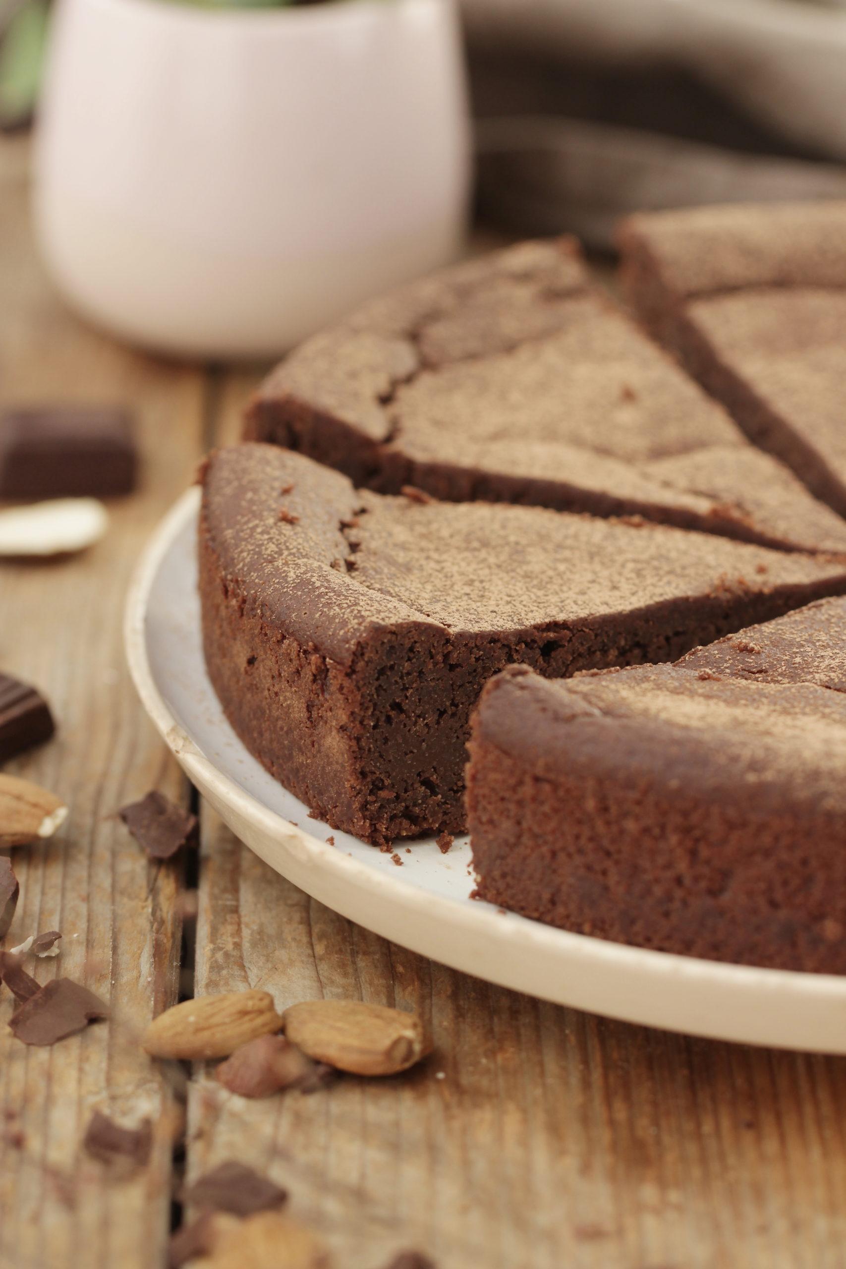 Fondant chocolat et amande (vegan, sans gluten, sans sucre)
