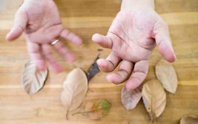 parkinson disease hands