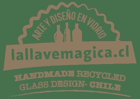 Artesanía, diseño, vitrofusión y upcycling en vidrio reciclado.