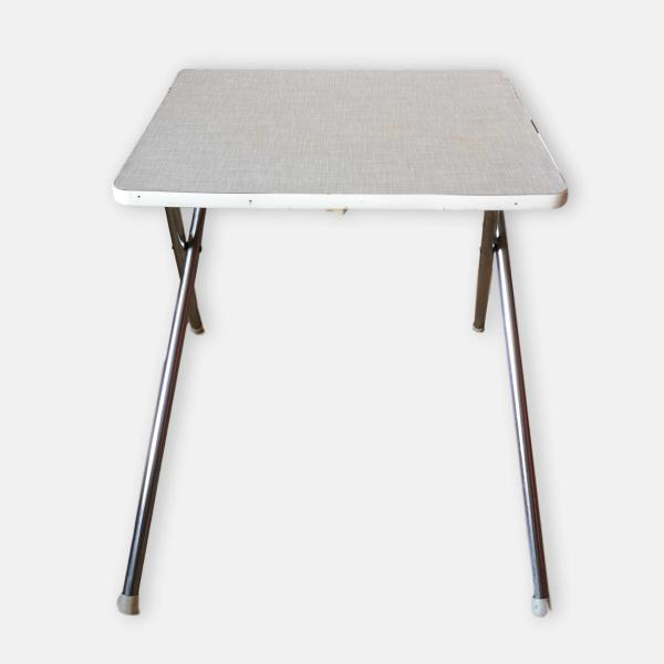 Table d'appoint formica