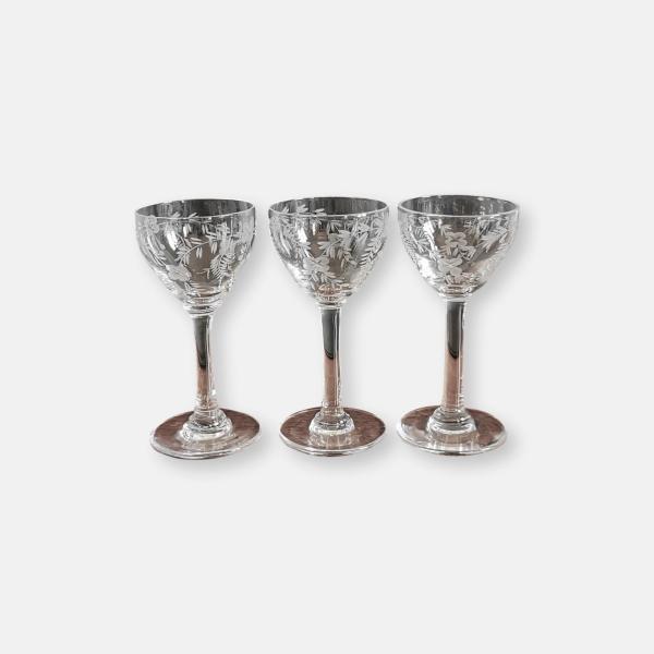 verres à pied à liqueur