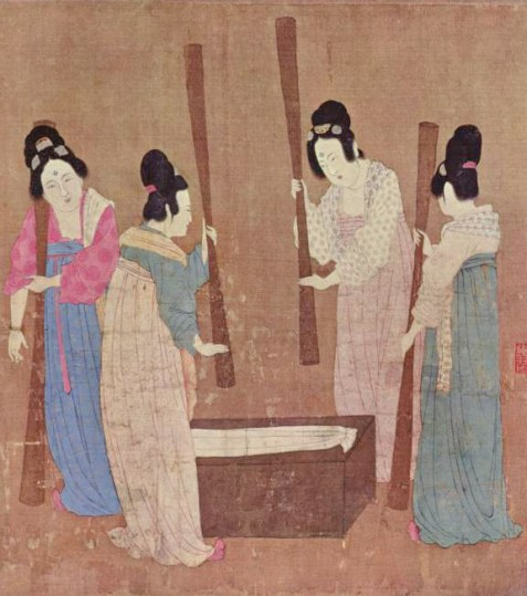 Ancient Chinese court ladies pounding silk fabric