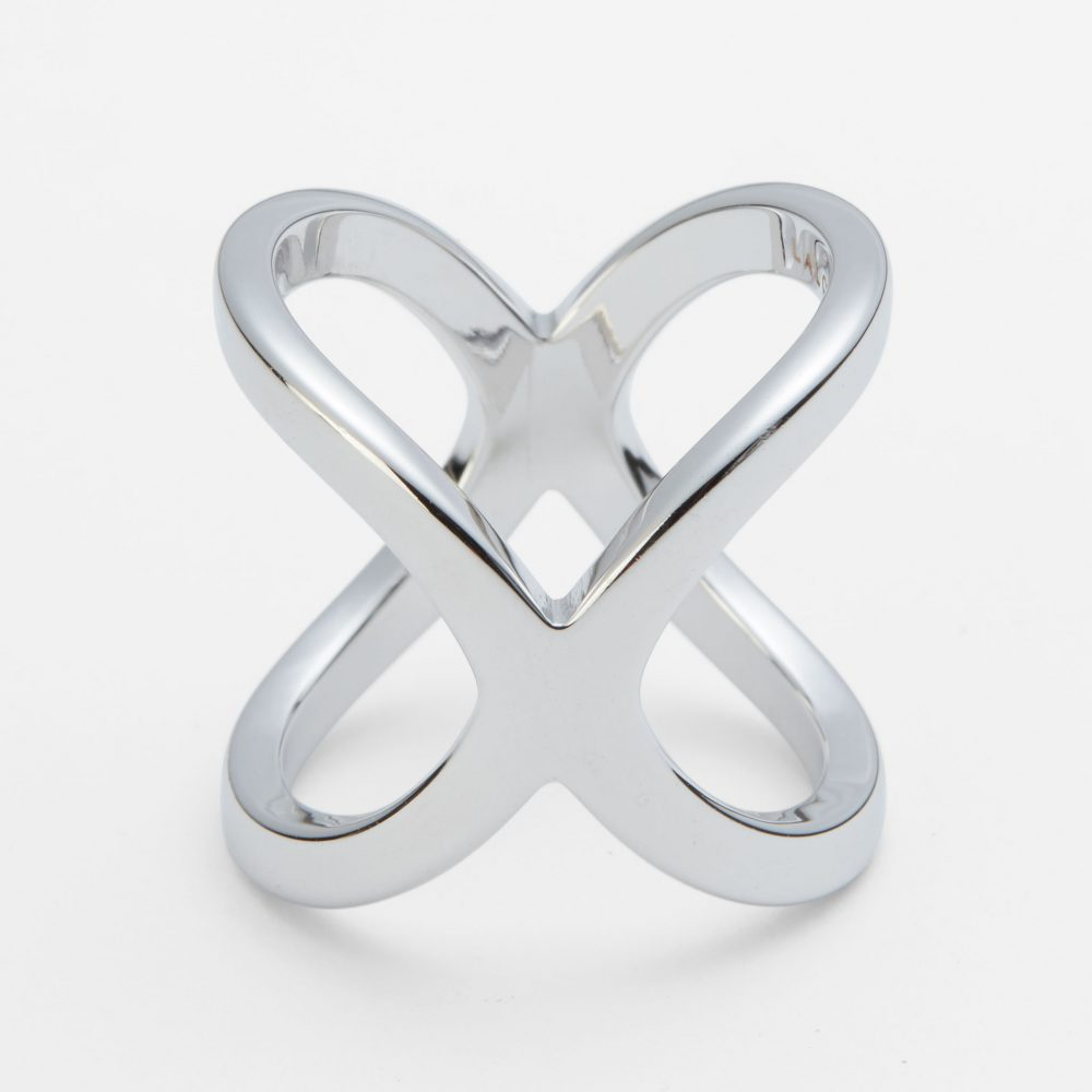 Lalouette X-shaped scarf ring closeup