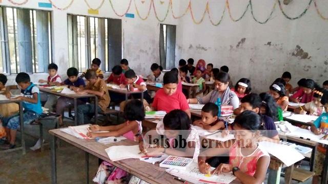 কেশবপুরে চারুপীঠ আর্ট স্কুলের চিত্রাংকন উৎসব অনুষ্ঠিত