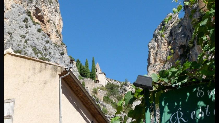 [ Le VAR enchante – Ep. IV ] Moustiers-Sainte-Marie et sucettes à l'anis