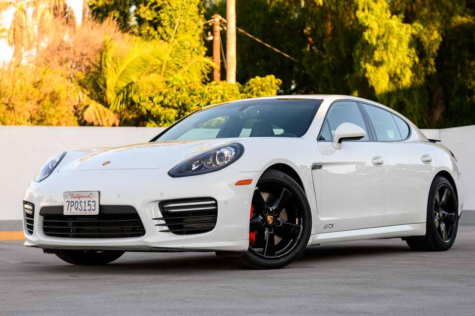 2016_Porsche_Panamera_GTS-0109